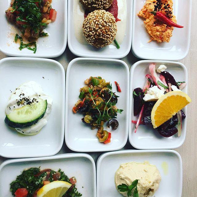 When bit size Vorspeisen are amazingly filling + Onolicious!! #littleplates #littleplatesofyumminess #foodfocus
