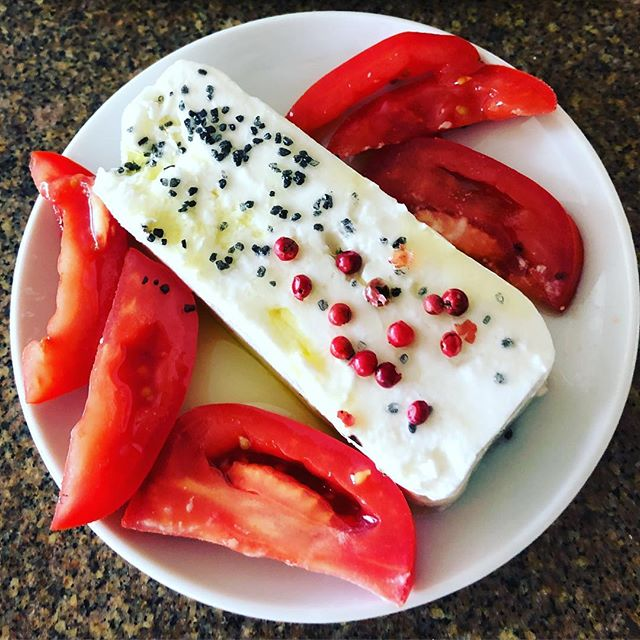 "One of those moments when homeownership and making your home ""home"" inspires some creativity in the kitchen 🤗  #rosapepper #paakai #tomatoes #sheepcheese #pupus #pueokeaoliveoil #pueokeafarms #happyhourathome"