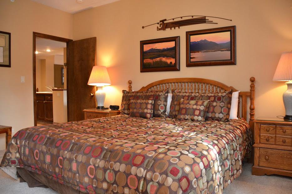 master-bedroom2-1.jpg