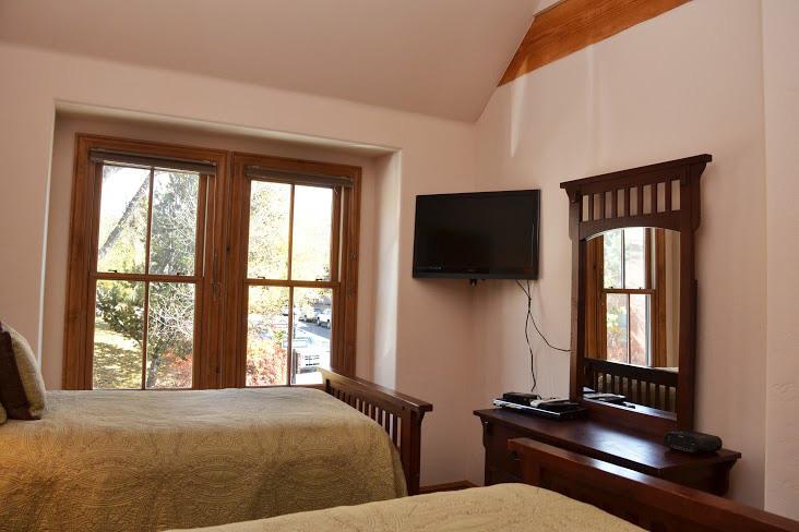 2nd-Bedroom243.jpg