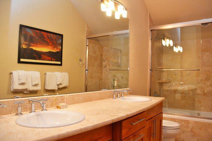 Master-Bathroom8.jpg