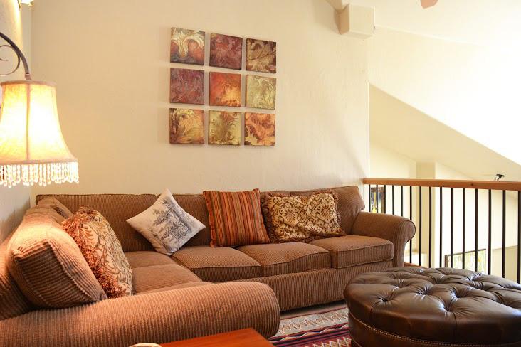 Upstairs-Living-Area.jpg