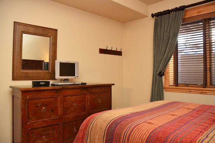 2nd-Bedroom236.jpg