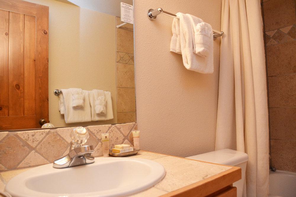 Master-Bathroom121.jpg