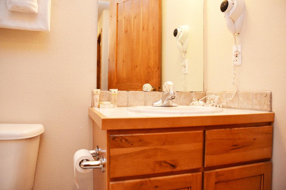 2nd-Bathroom111.jpg