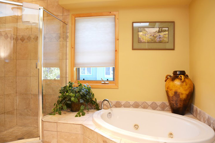 Master-Bathroom214.jpg