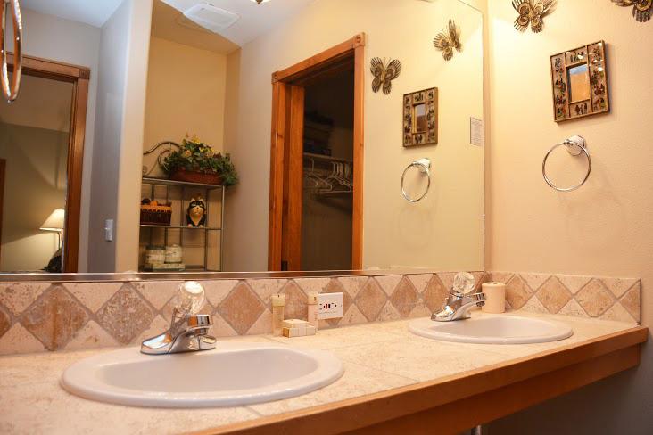 Master-Bathroom124.jpg