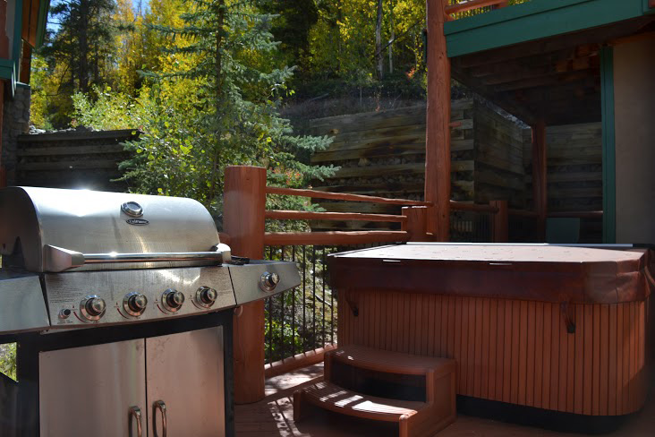 Grill-and-Hot-Tub1.jpg