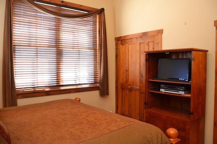 Master-Bedroom2-4.jpg