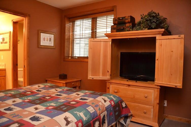 Master-Bedroom-9.jpg