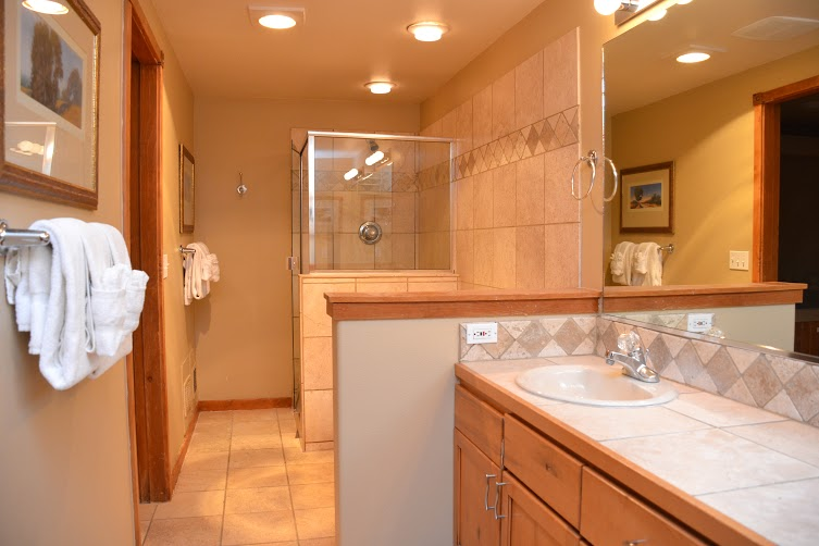Master-Bathroom2-5.jpg