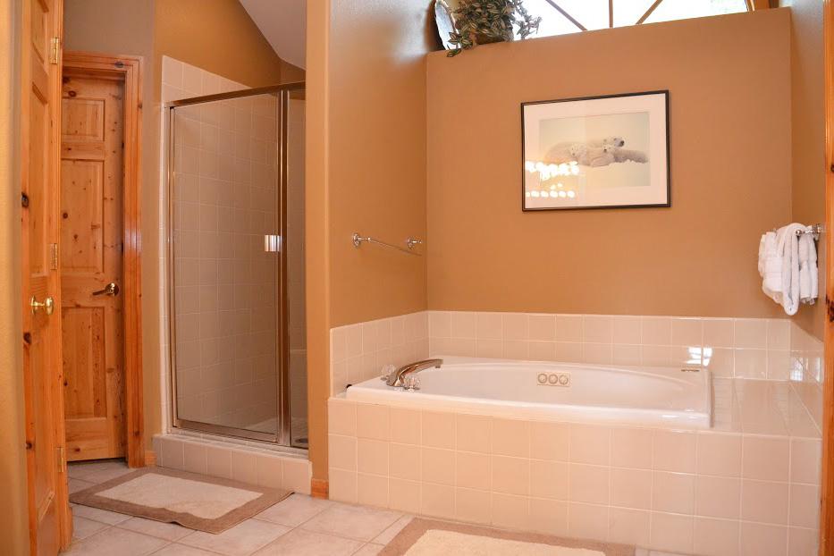Master-Bathroom3-2.jpg