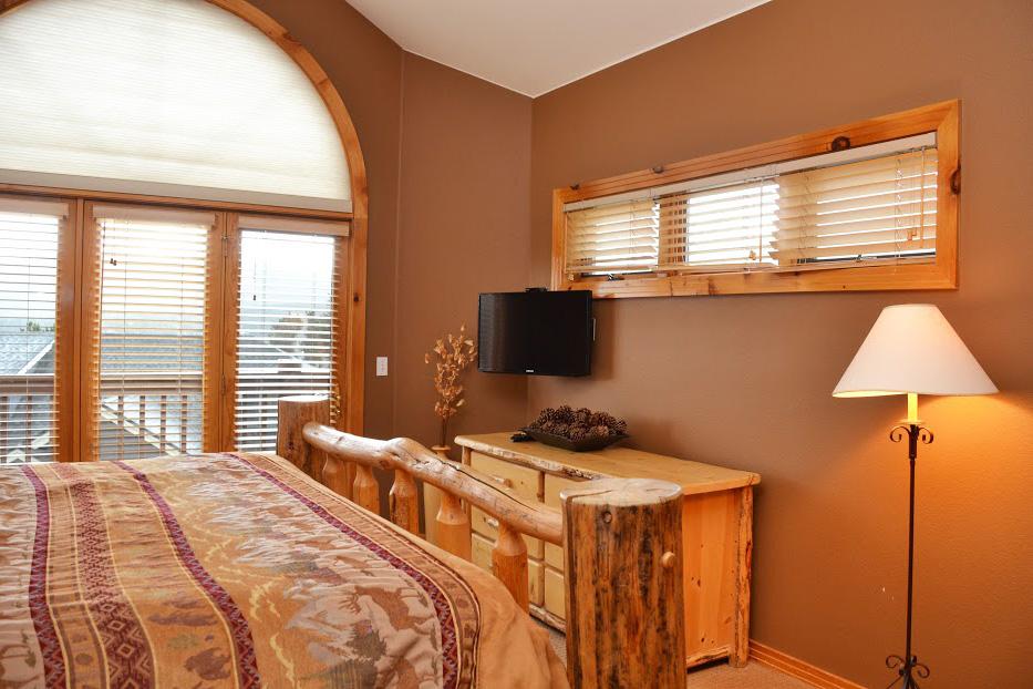 Master-Bedroom2-9.jpg