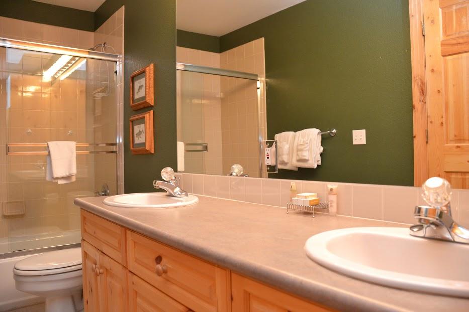 3rd-Bathroom-3.jpg