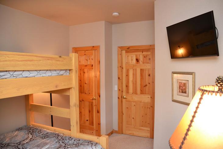 2nd-bedroom2-1.jpg