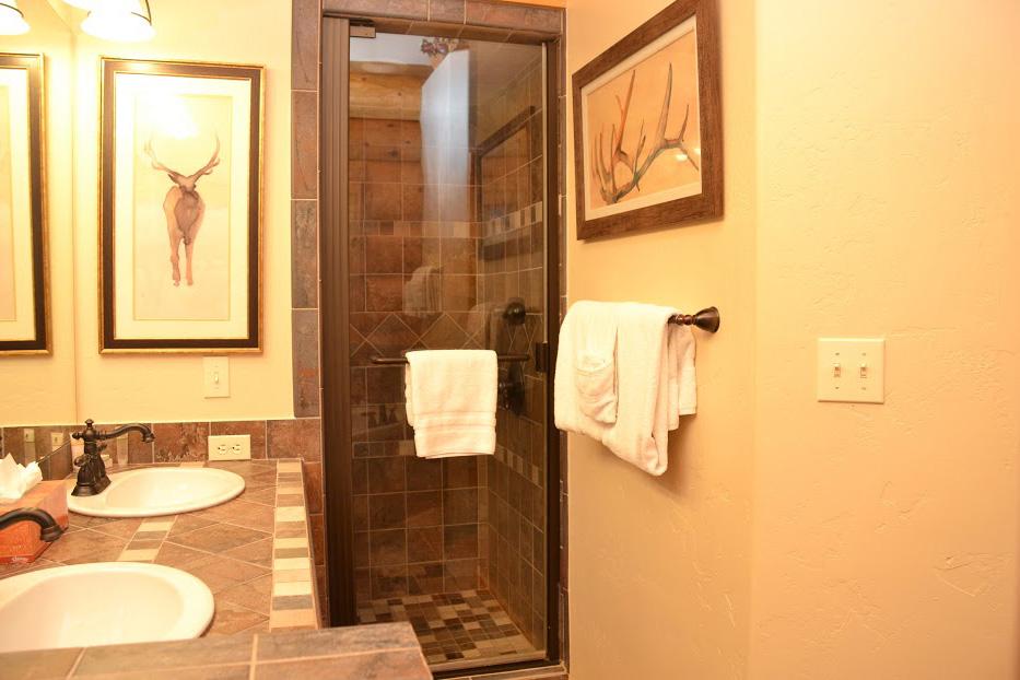 master-bathroom3.jpg