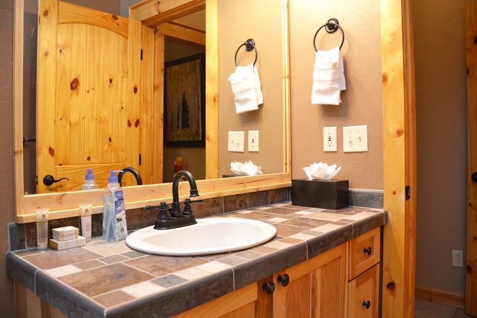 third-bathroom2.jpg