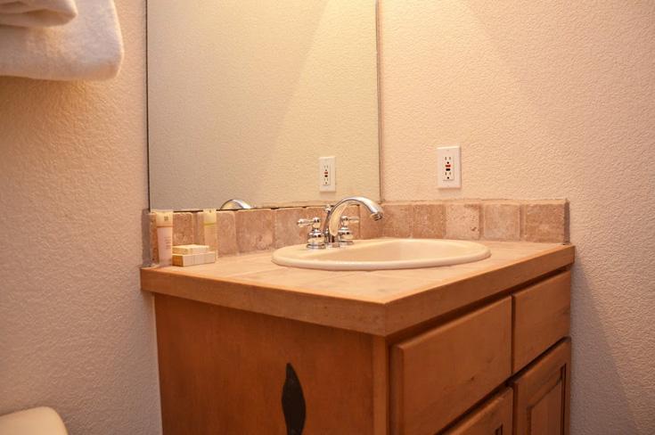 2nd-bathroom2-3.jpg