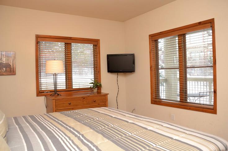 2nd-bedroom2-7.jpg