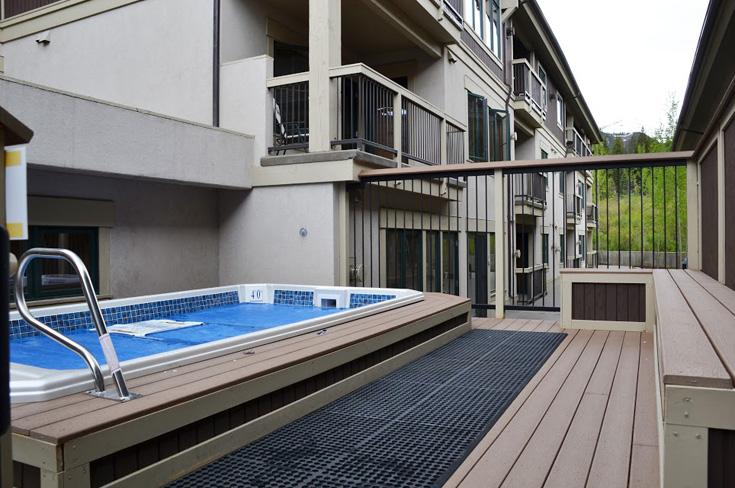 outdoor-hot-tub.jpg