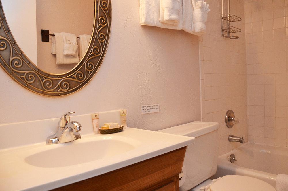 Bathroom116.jpg