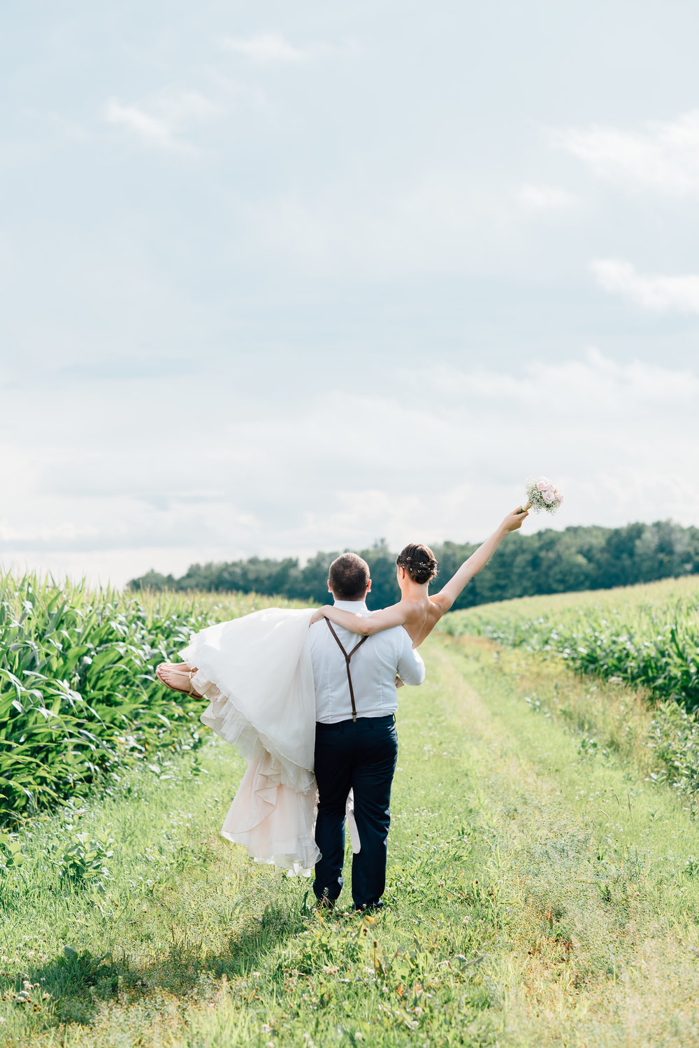 montreal-wedding-photographer-rustic-wedding-cabane-a-sucre-vicky-josh