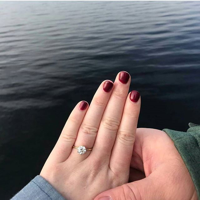 Talk about ending 2017 right!!!😄SHE SAID YES!💍🎆🎉 Last ring of 2017 was an especially special one 💗 A HUGE congrats to my cousin Nico & his new fiancé Jill. It was an honor making your ring❤ Starting with the most important 📷 first but there will be more!💍 . . . #LivandLov #shesaidyes #engagementring #customengagementring #canadiandiamond #fairminedgold #18kGold