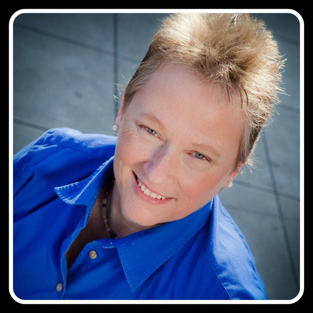 Gifted in business coaching, and in the intuitive arts, Jan Messersmith of  www.SoulAligned.com  will be sharing how she guides business owners to create an abundant business aligned to who they truly are!