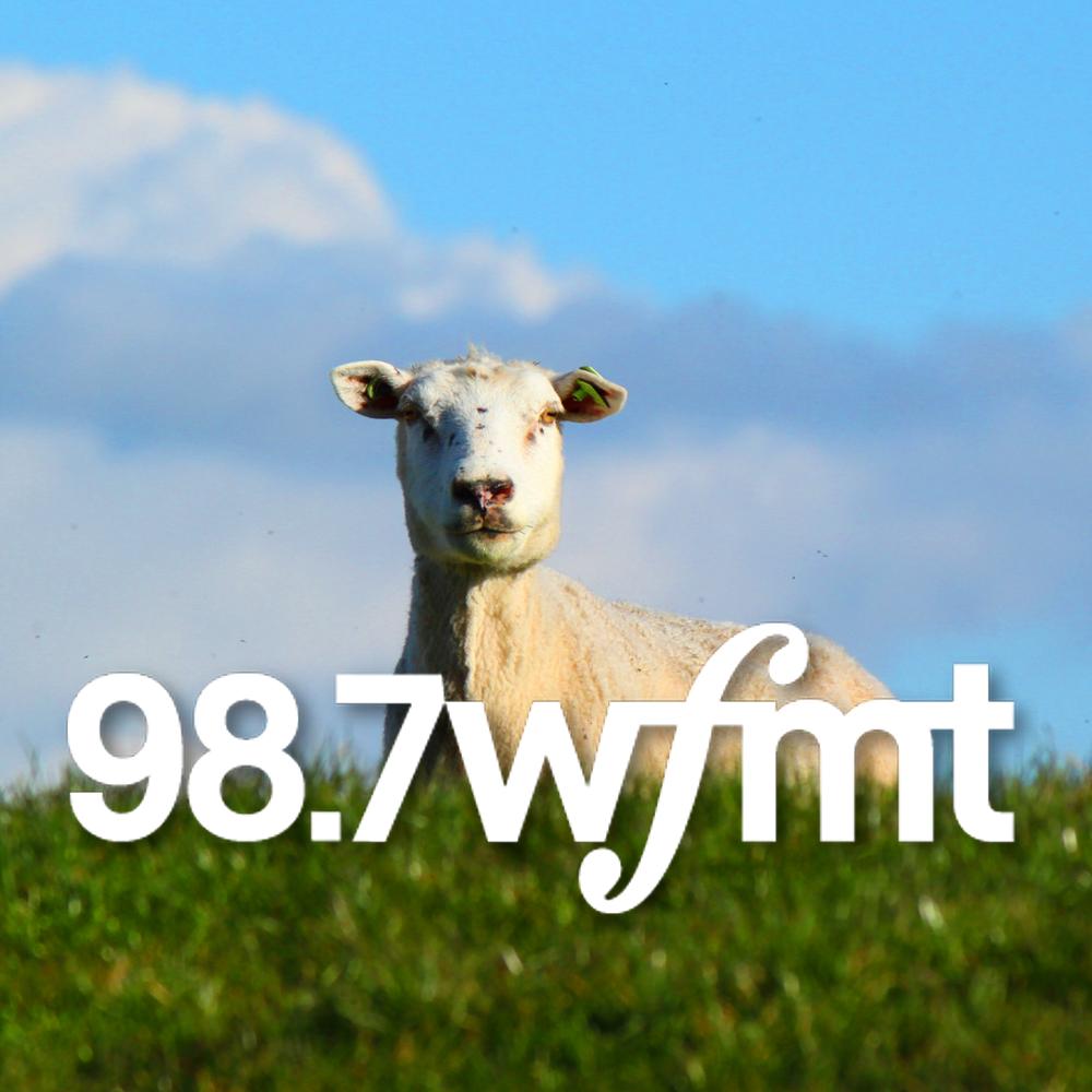 98.7 WFMT (2016)