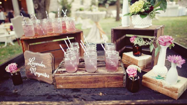 http://www.msn.com/en-us/lifestyle/weddings/12-things-not-to-do-at-a-wedding/ss-AA3Akzg?ocid=DELLDHP#image=7