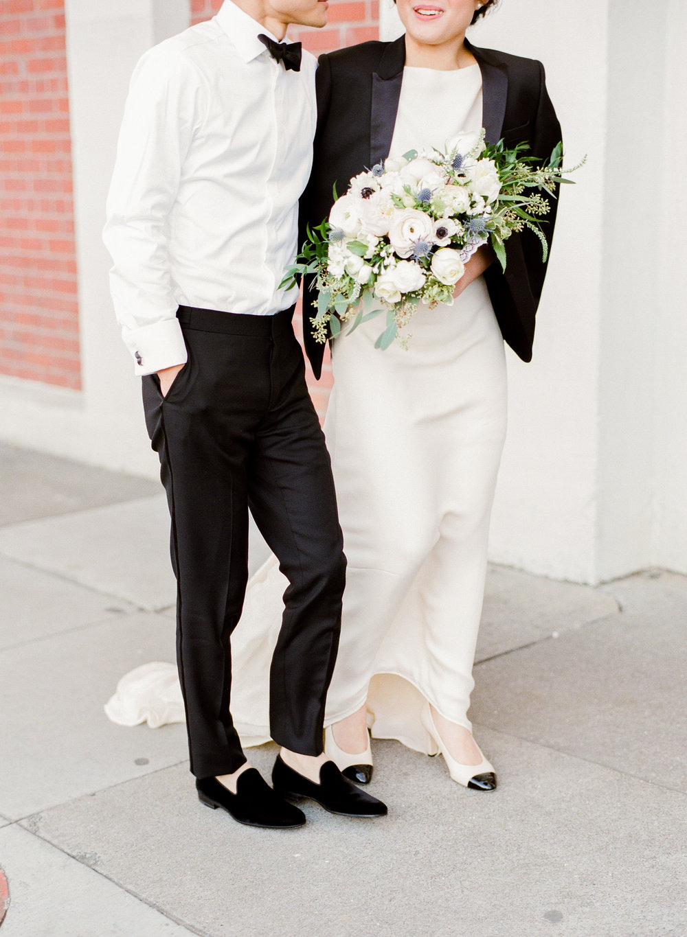 San Francisco Destination Wedding Photographer - Wine Works City Chic Romantic Wedding