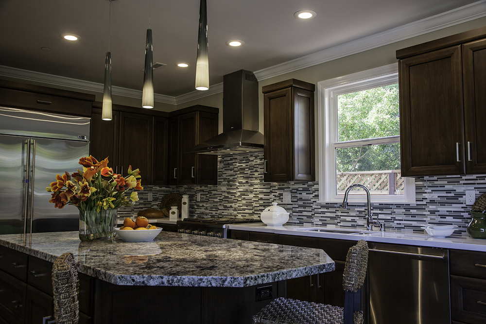 (1)Keystone Blend Interlocking Pattern (2)Blue Flower Granite