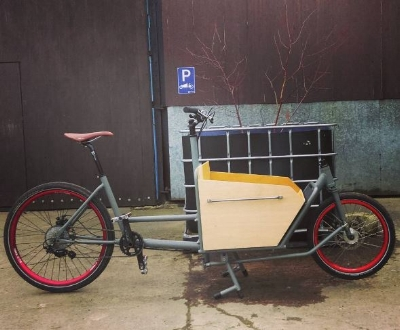 Our 10 Speed Zee equipped 400mm boxbike, pictured without fenders and with development plywood box.