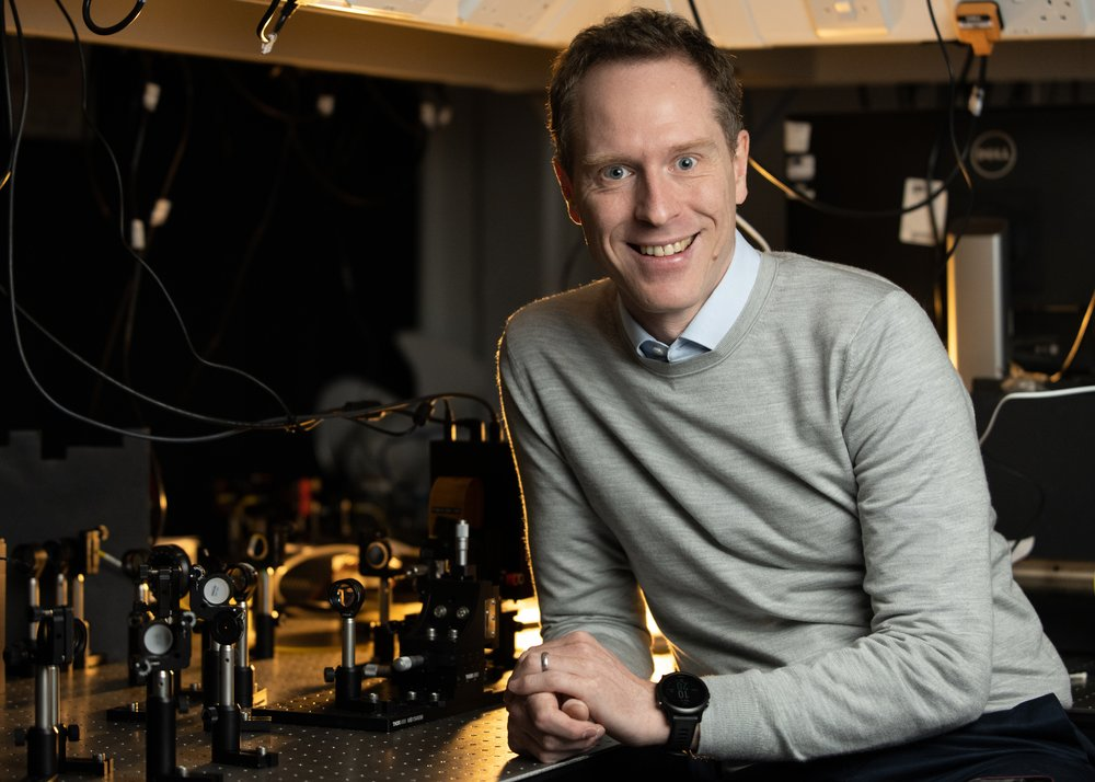 Dr. Jonathan Leach