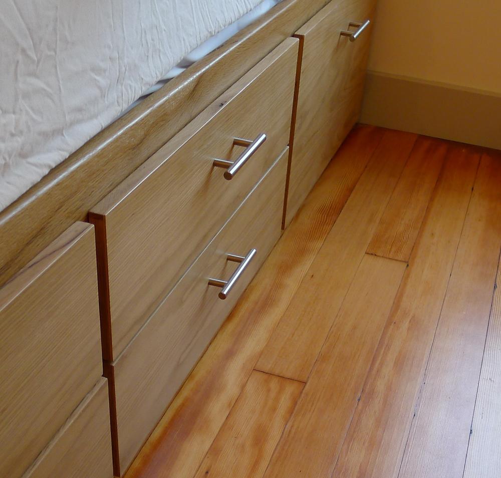 bed storage L1030627.jpg