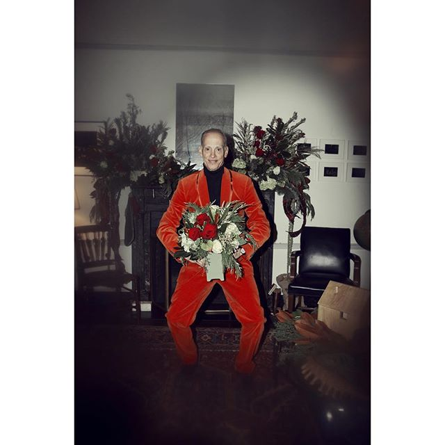 ... #happybirthday #johnwaters . ... a #story i could do for @anothermagazine ... have a Good Day .... #portrait #flowers #baltimore #red #suit  #actor #director #artist