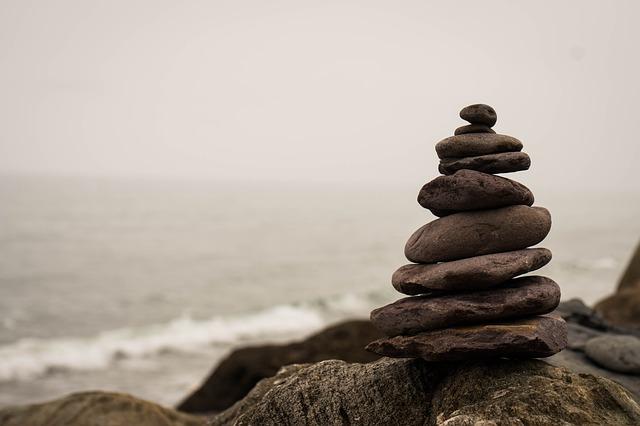 balance-2686214_640.jpg