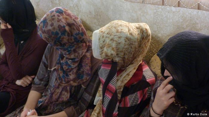 "Picture from DW news post ""'IS' militants abduct thousands of Yazidi women and girls"""