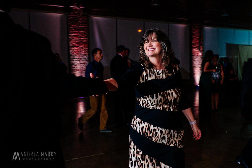 20171028-sarahmiller-wed-blog-075-3143-2.jpg