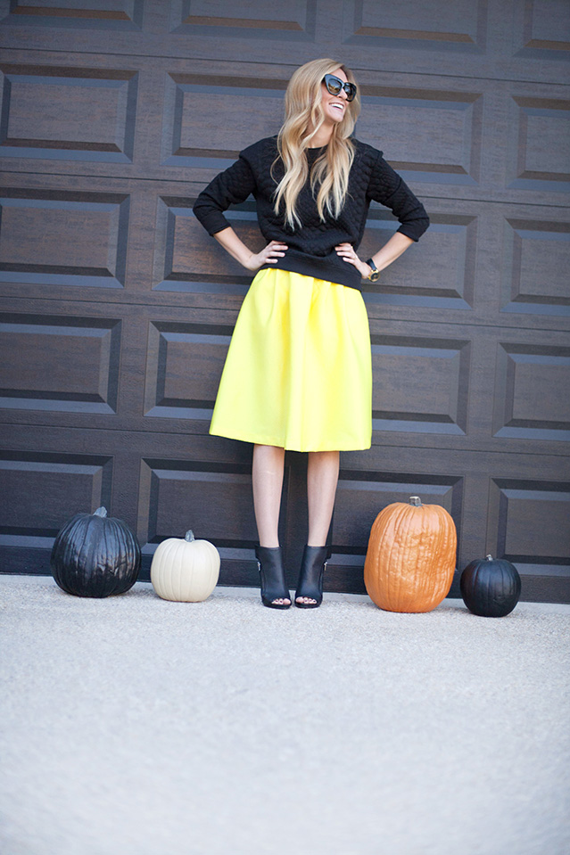 YellowMidiSkirt10.jpg