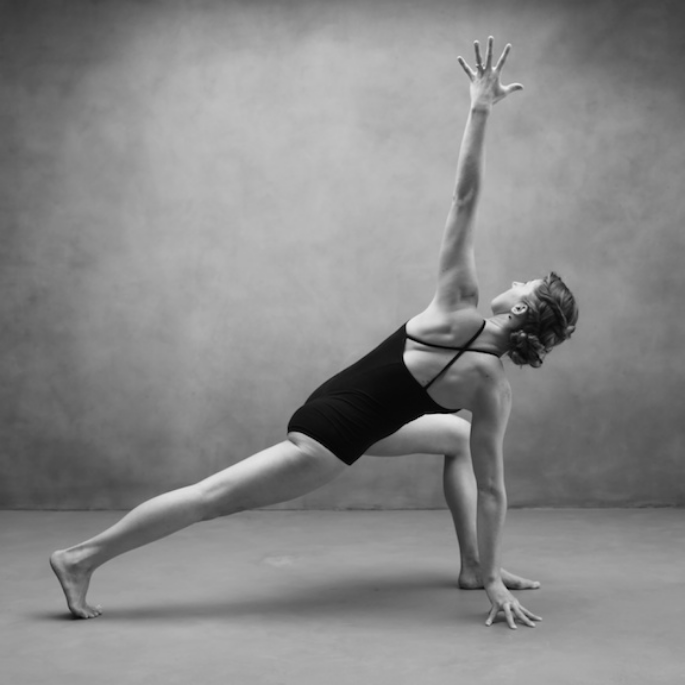 Genevieve Oswald in Revolved Lunge Variation. Photo by Zoe Zimmerman for Sundara Studios 2015