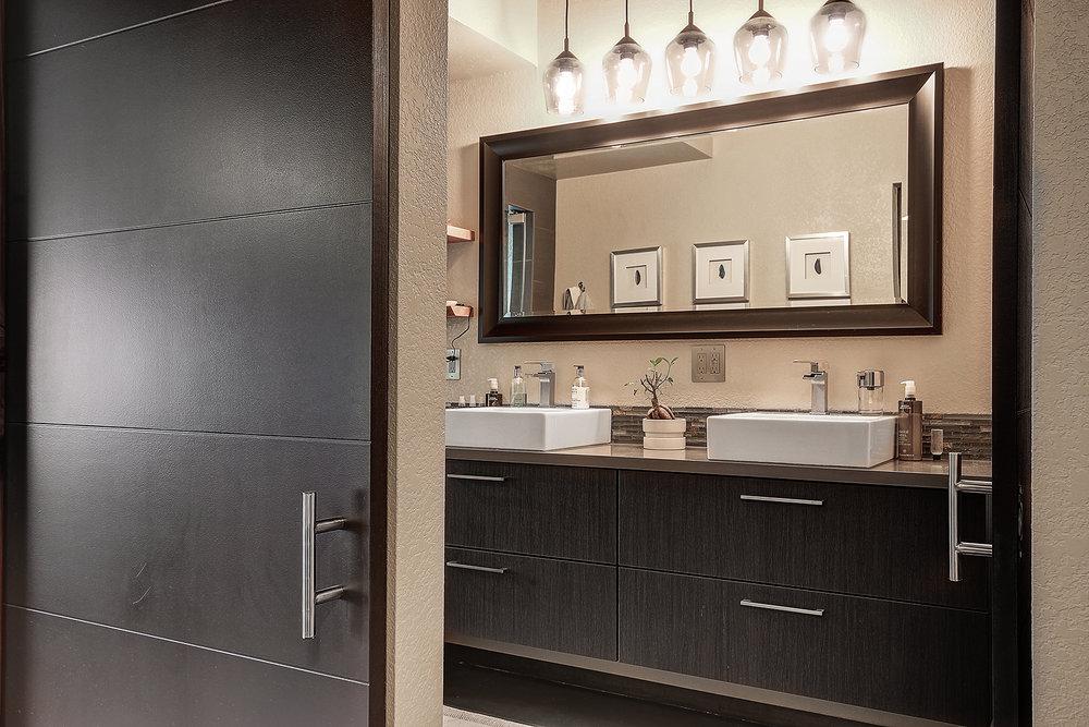 14_Master Bathroom1.jpg