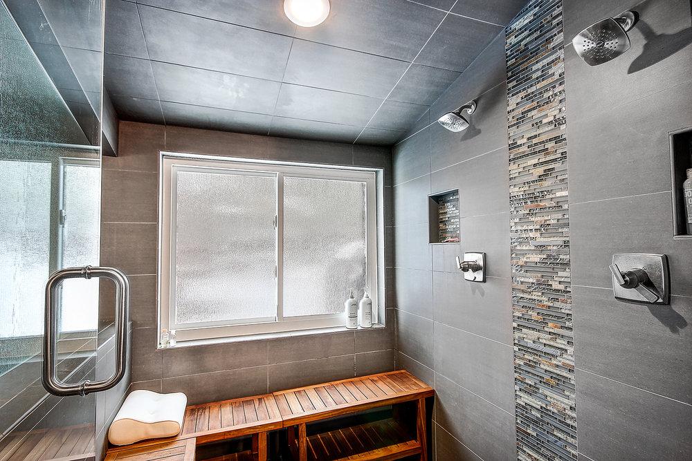 19_Master Shower1.jpg