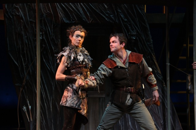 Diana the falcon in Young Robin Hood, Round House Theater