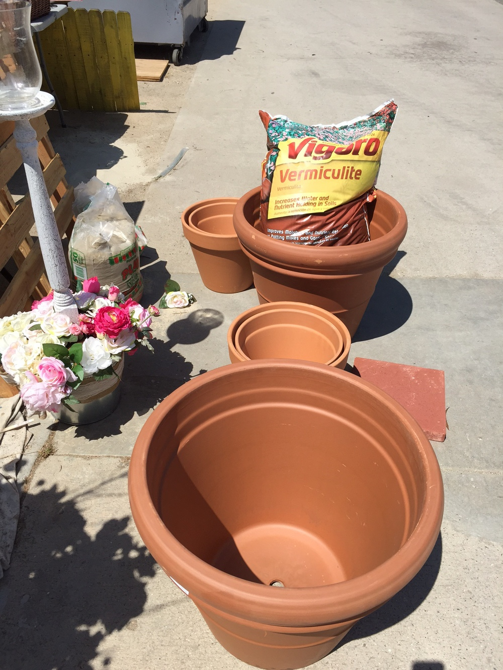 Supply list. Three nesting pots. Brick to raise the structure. Insulation (coarse vermiculite or lava rock). Terra Cotta Clay Pots (Nesting Sizes, A, B, C can be 24in x 22in, 13in x 12in and 12x10 or similar. Just make sure pots B & C can rest rim to rim within pot A)