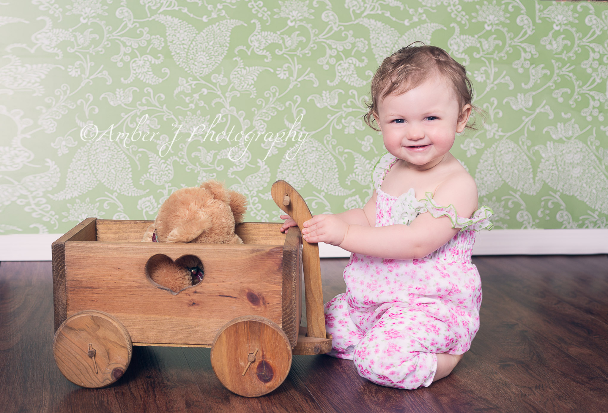 Jocelyn1year_amberjphotography_blog_09.jpg
