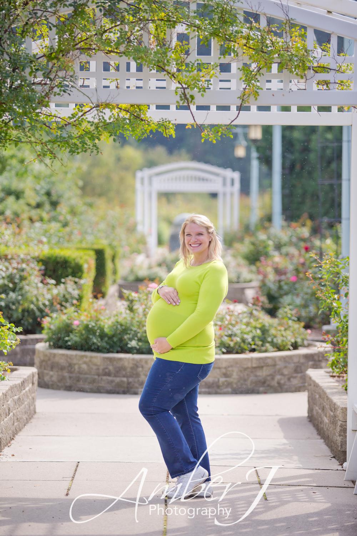 Steele_Maternity_AmberJPhotographyBlog_22.jpg