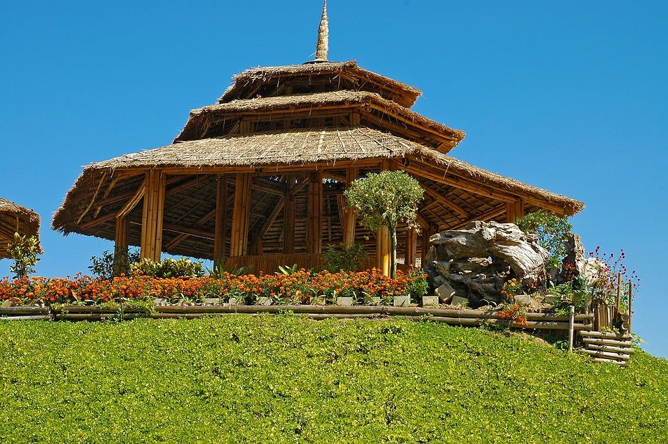 bamboo-hut-185982_960_720.jpg