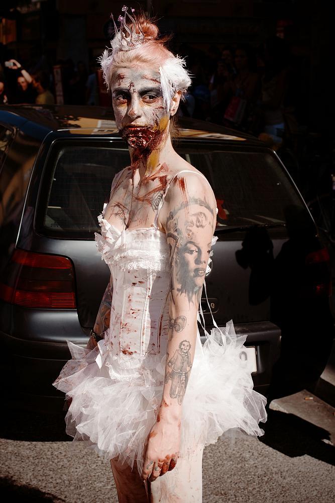 zombiewalk2012_16.jpg