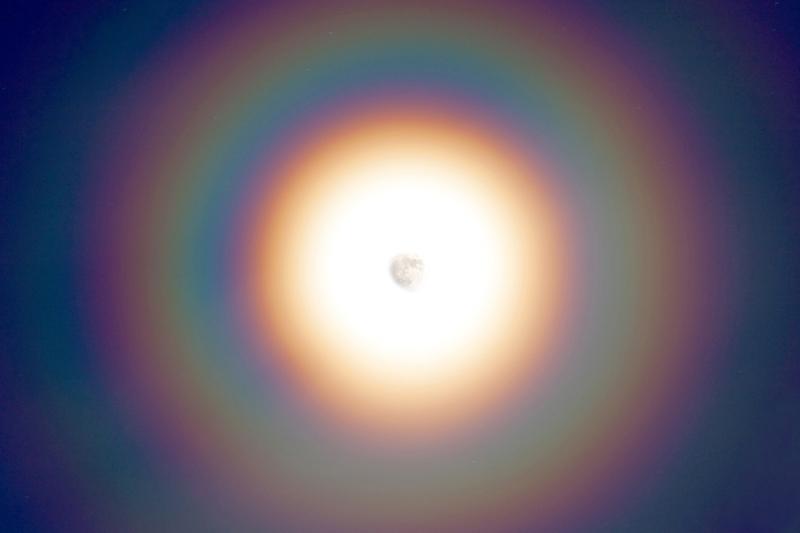 http://static.squarespace.com/static/5324cb3ae4b0c5c3326a28c8/53581d7be4b03ef5a92a67ac/53581d7ce4b03ef5a92a68db/1272812995000/Rainbow_Moon_Closeup1.jpg